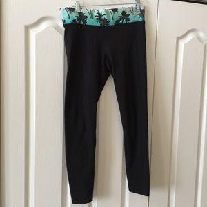 Pink yoga pants large black activewear